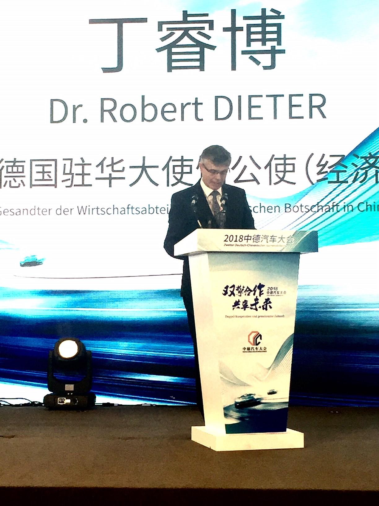 Gesandter Dr. Dieter