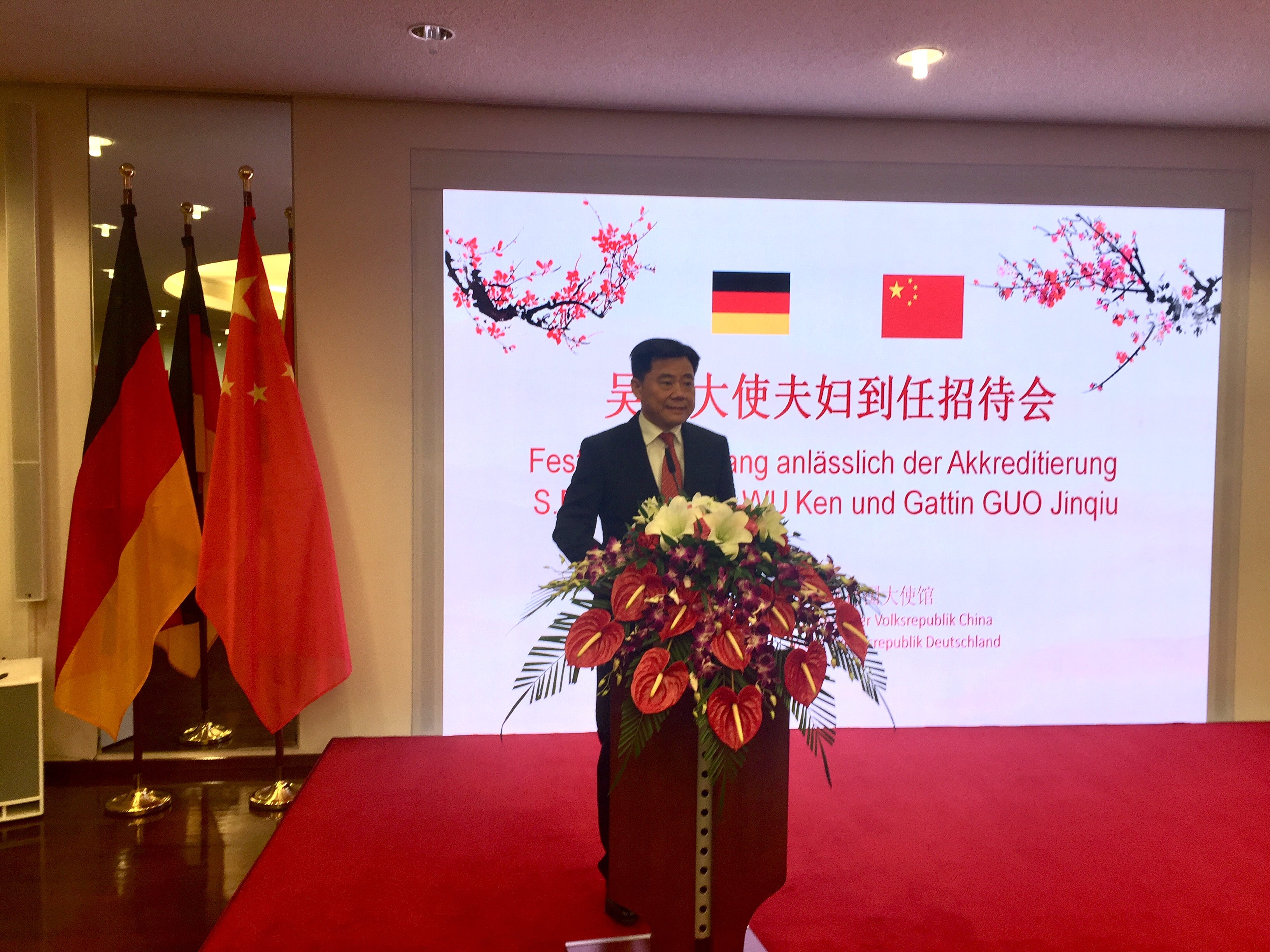 Botschafter Wu bei seinem Grußwort