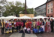 Trotz Regens ein freudiges Vesakh-Fest in Frankfurt