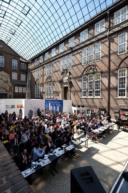 Eröffnungsveranstaltung im Innenhof des Museums für Hamburgische Geschichte